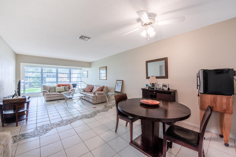 1061 Orange Terrace 203  Delray Beach, FL 33445
