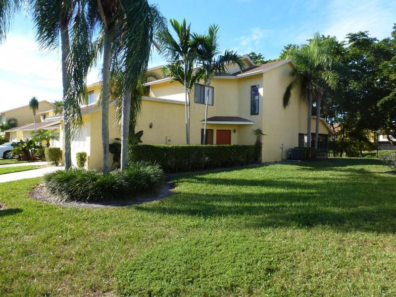 1601 Woodbridge Lakes Circle West Palm Beach, FL 33406