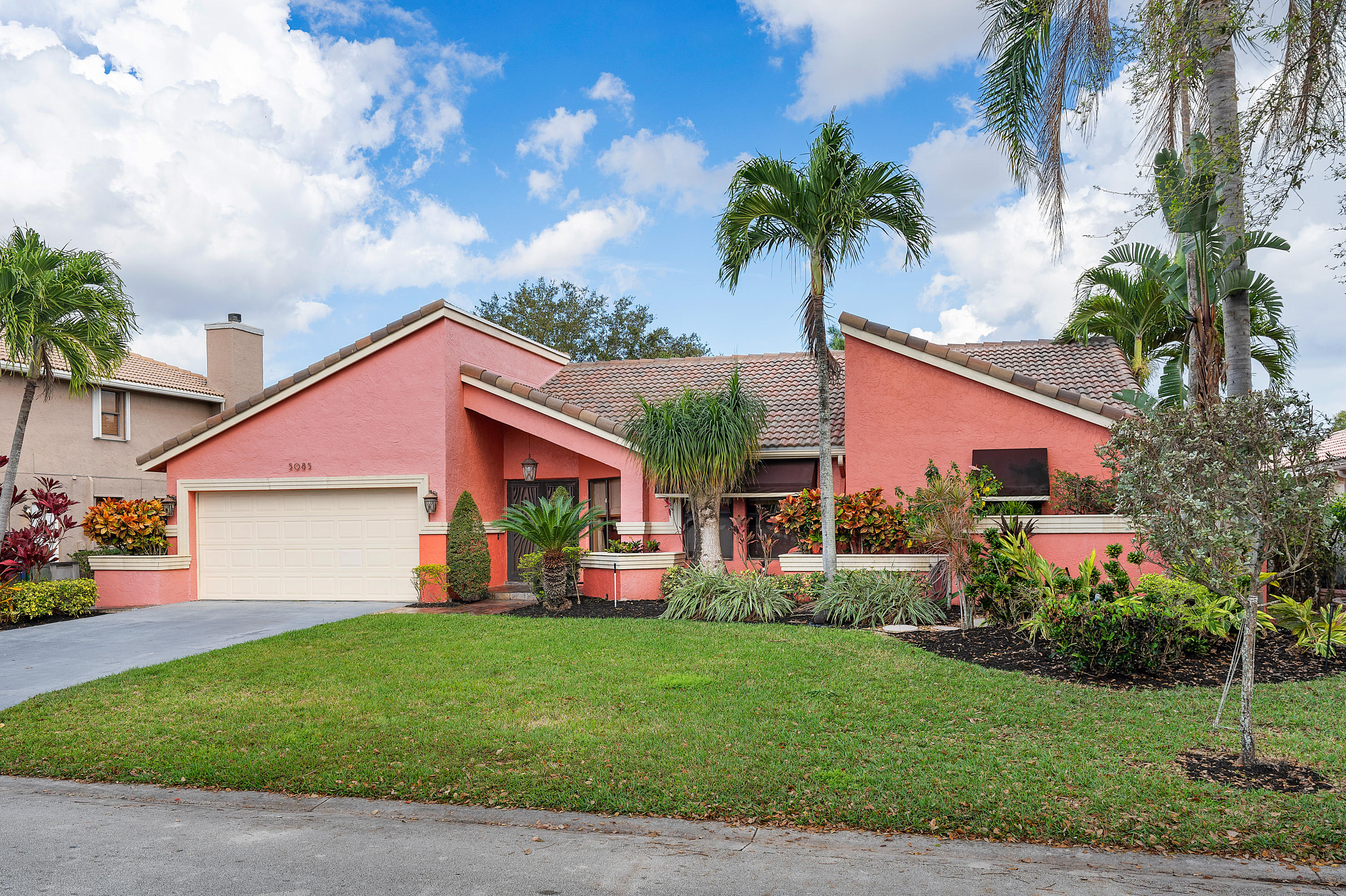 5085 NW 58th Terrace  Coral Springs FL 33067