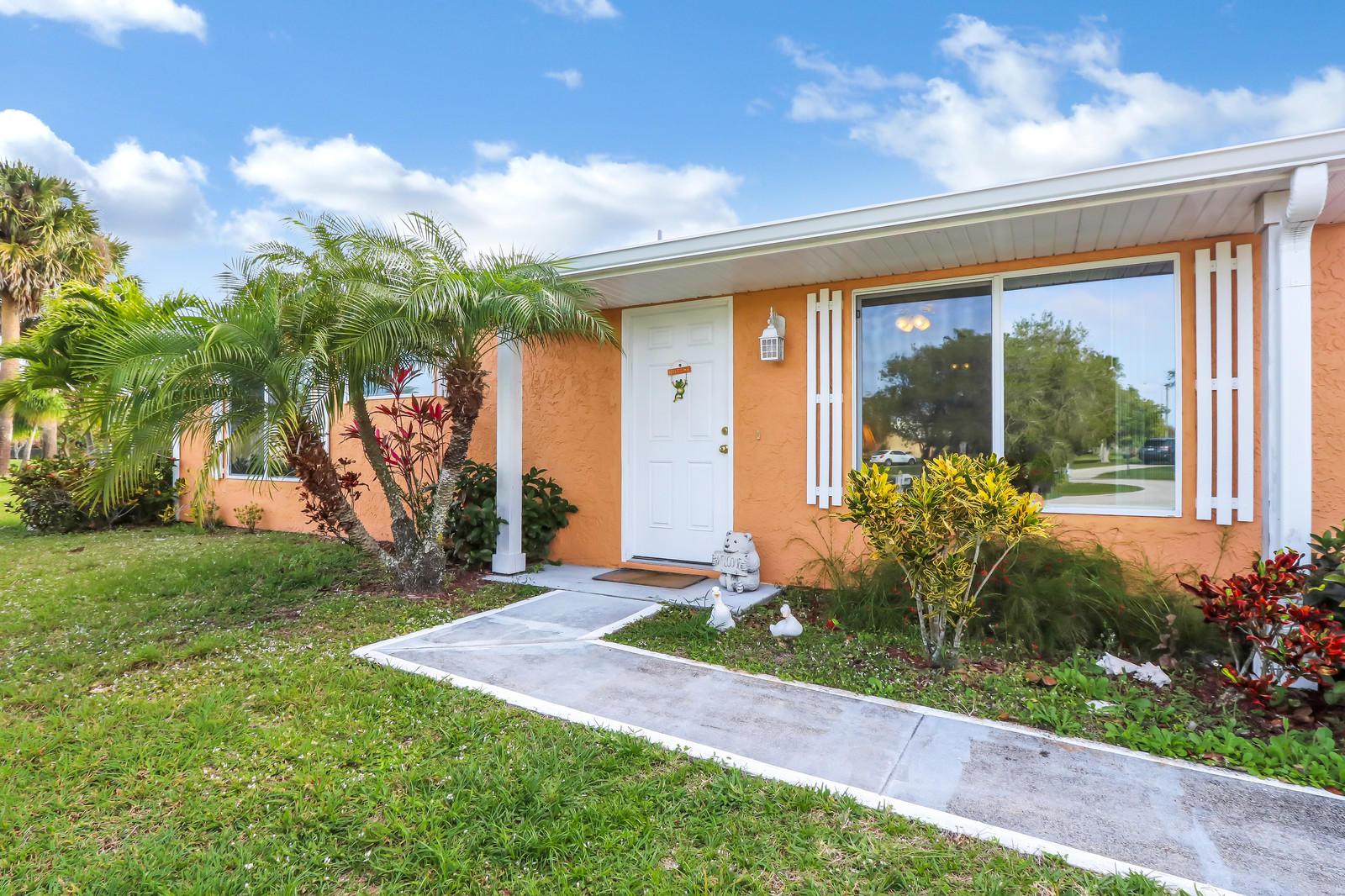 2212 SE Dunbrooke Circle - Port St Lucie, Florida