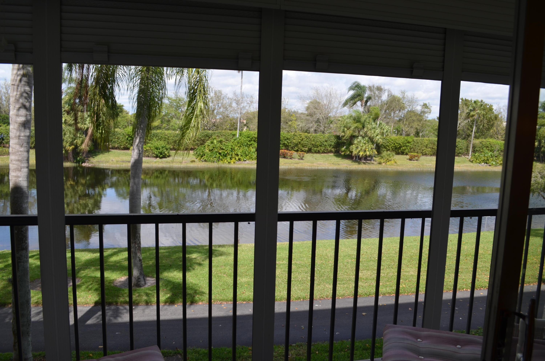 HUNTINGTON LAKES home 7341 Amberly Lane Delray Beach FL 33446