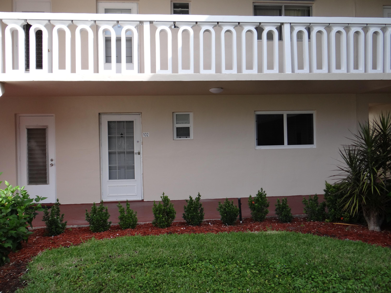 2581 N Garden Drive 102 Lake Worth, FL 33461