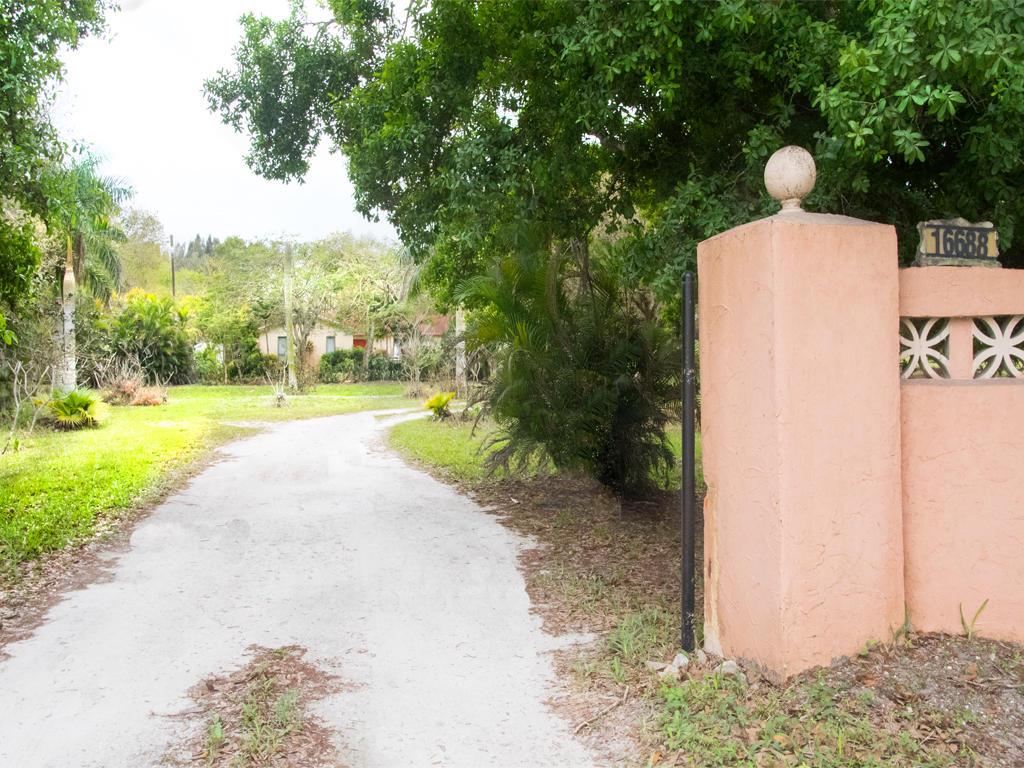 16688 Rustic Road Wellington, FL 33470