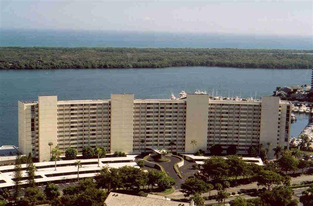 126 Lakeshore Drive 626, North Palm Beach, Florida 33408, 2 Bedrooms Bedrooms, ,2 BathroomsBathrooms,A,Condominium,Lakeshore,RX-10509426
