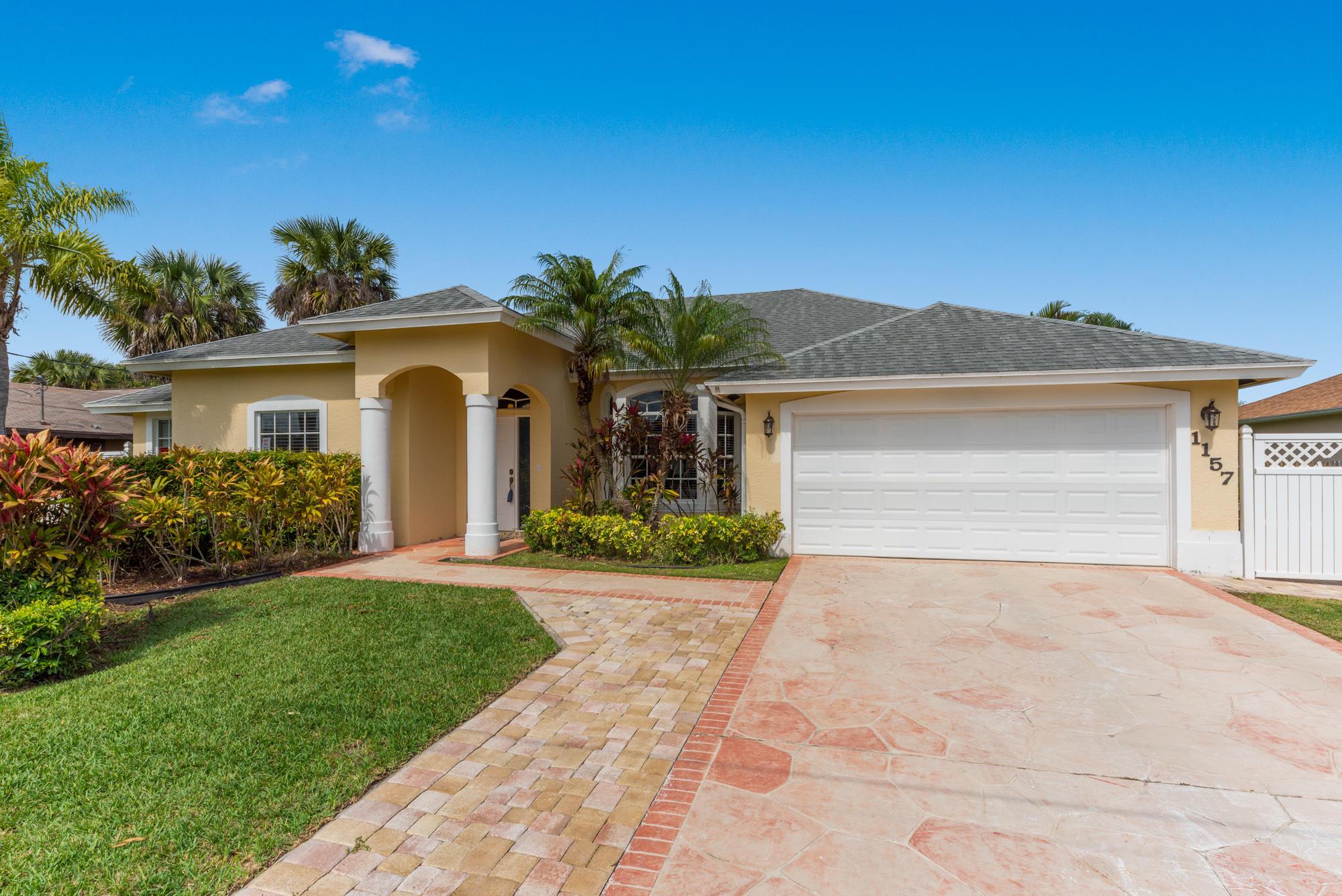 1157 SW Abingdon Avenue, Port Saint Lucie, Florida