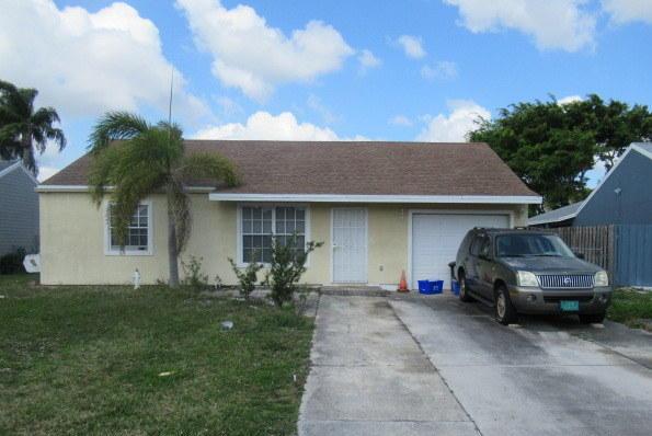 5707 Pebble Brook Lane  Boynton Beach, FL 33472