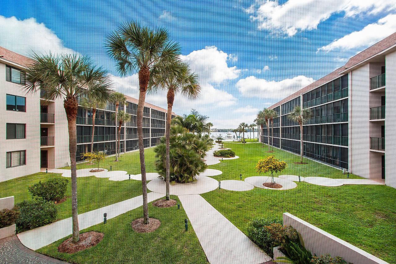 2424 N Federal Highway 200 Boynton Beach, FL 33435