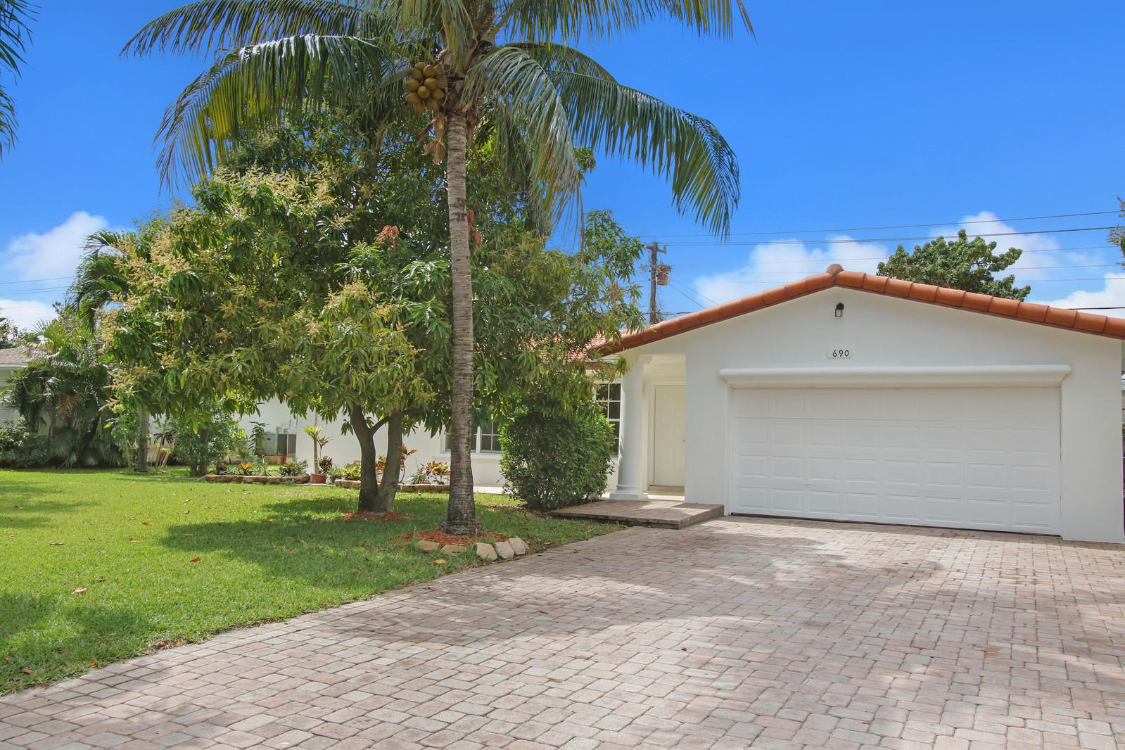 690 Heron Drive  Delray Beach, FL 33444
