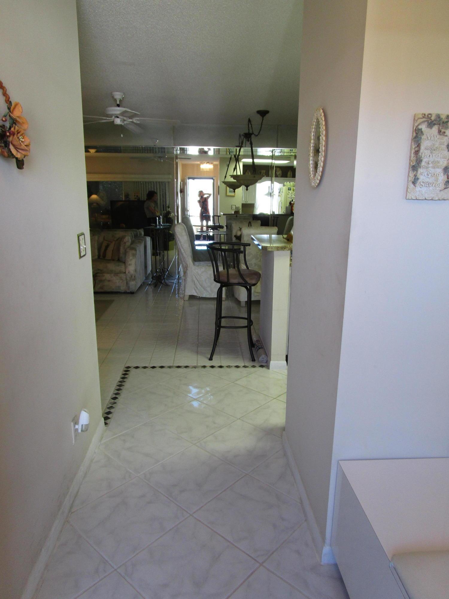 6586 Southurst Terrace 207  Delray Beach FL 33446