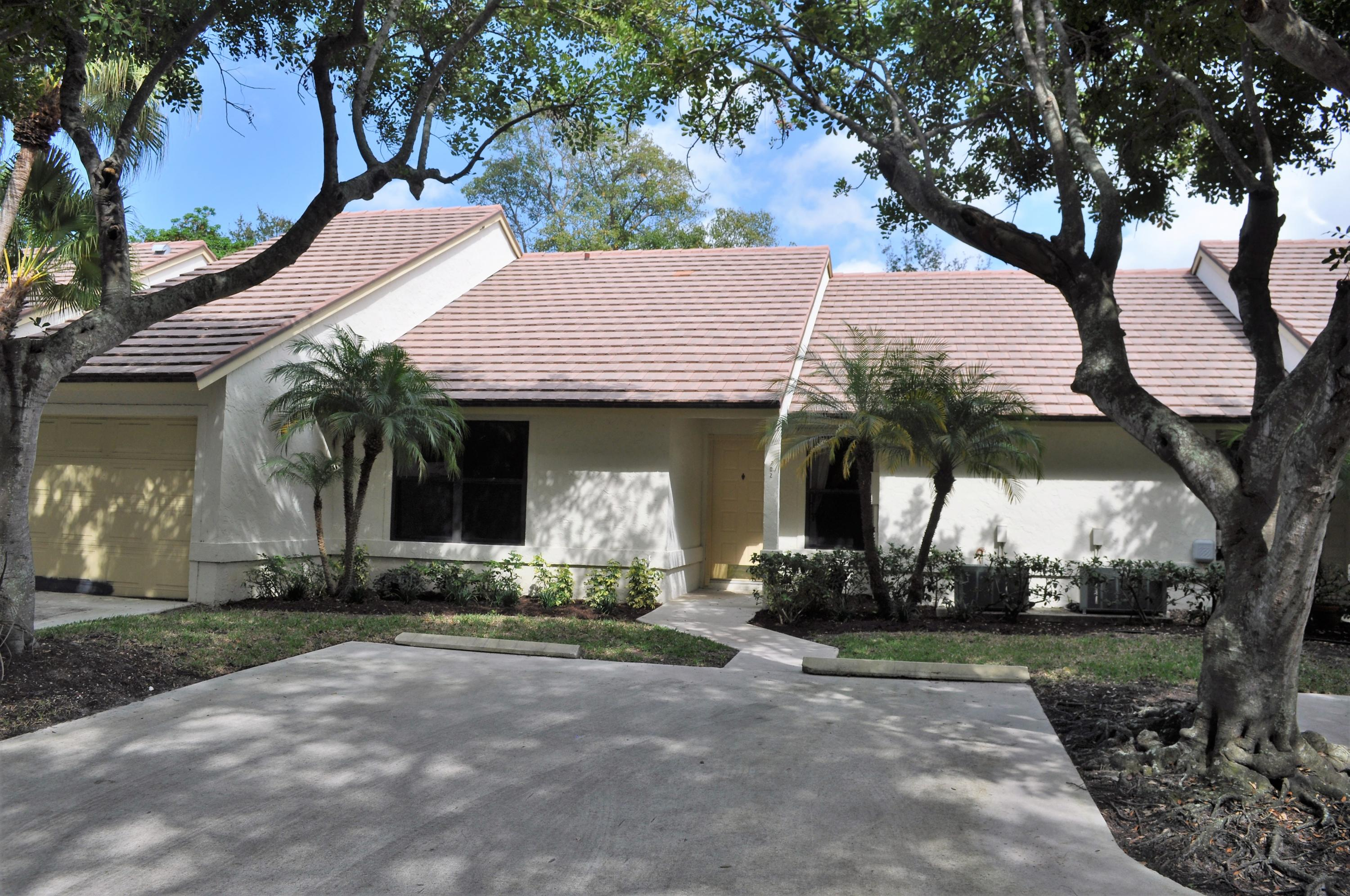 702 Bannock Lane, Palm Beach Gardens, Florida 33418, 2 Bedrooms Bedrooms, ,2 BathroomsBathrooms,A,Villa,Bannock,RX-10498565