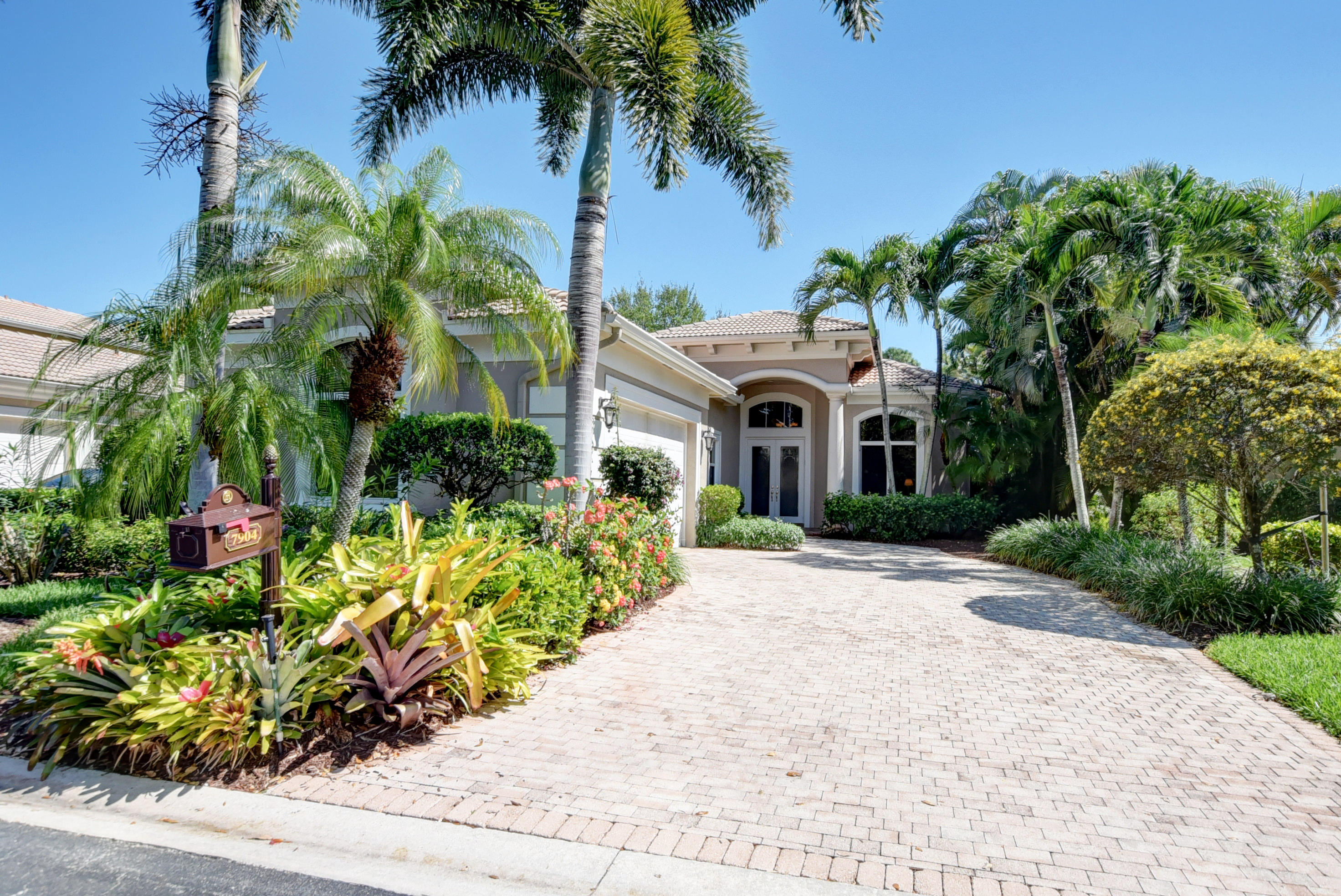 7904 Villa D Este Way  Delray Beach, FL 33446