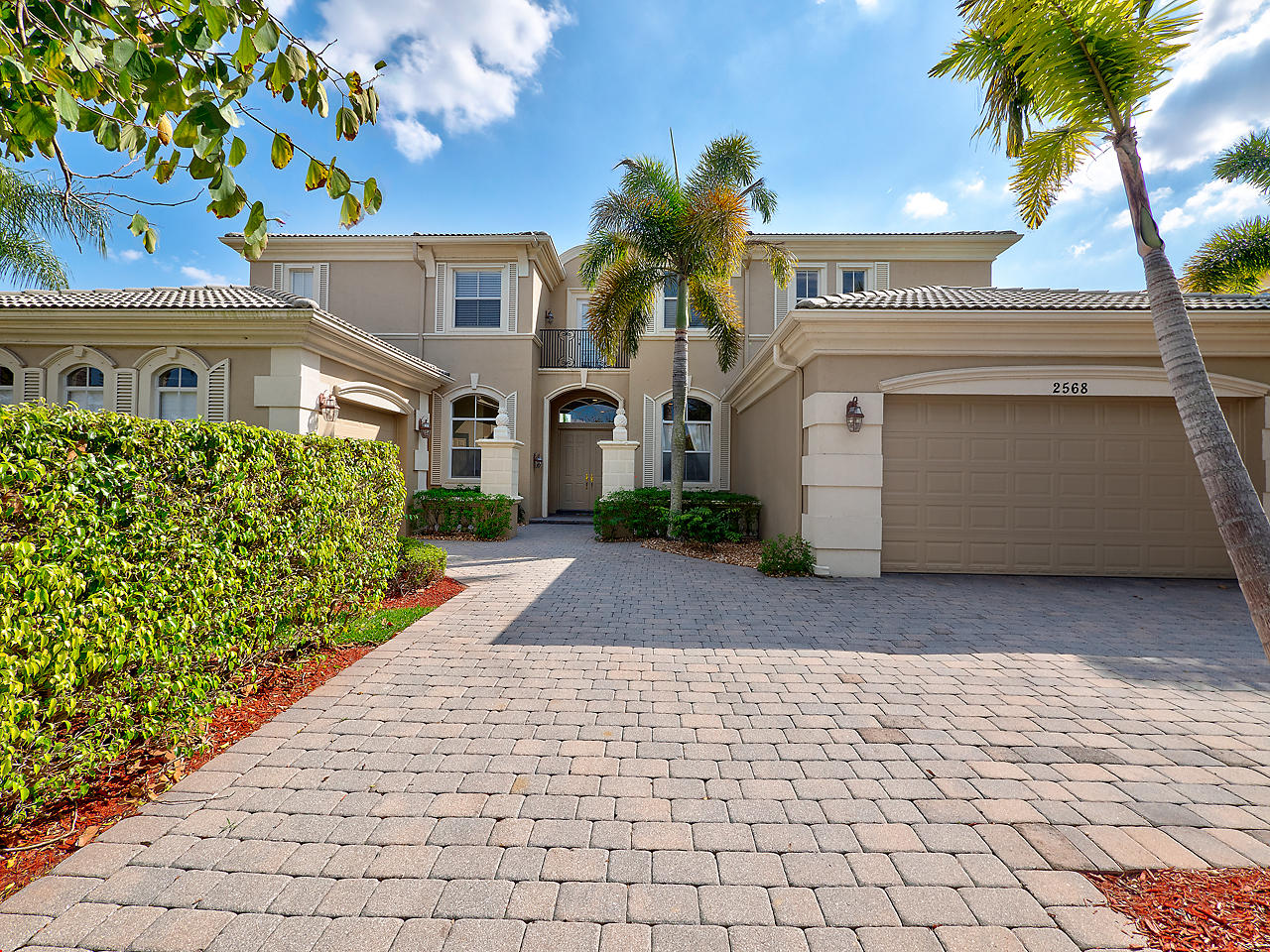2568 Treanor Terrace Wellington, FL 33414