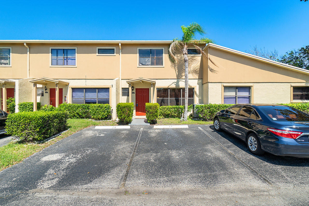 Home for sale in VILLAGE AT BLUE LAKE Pompano Beach Florida