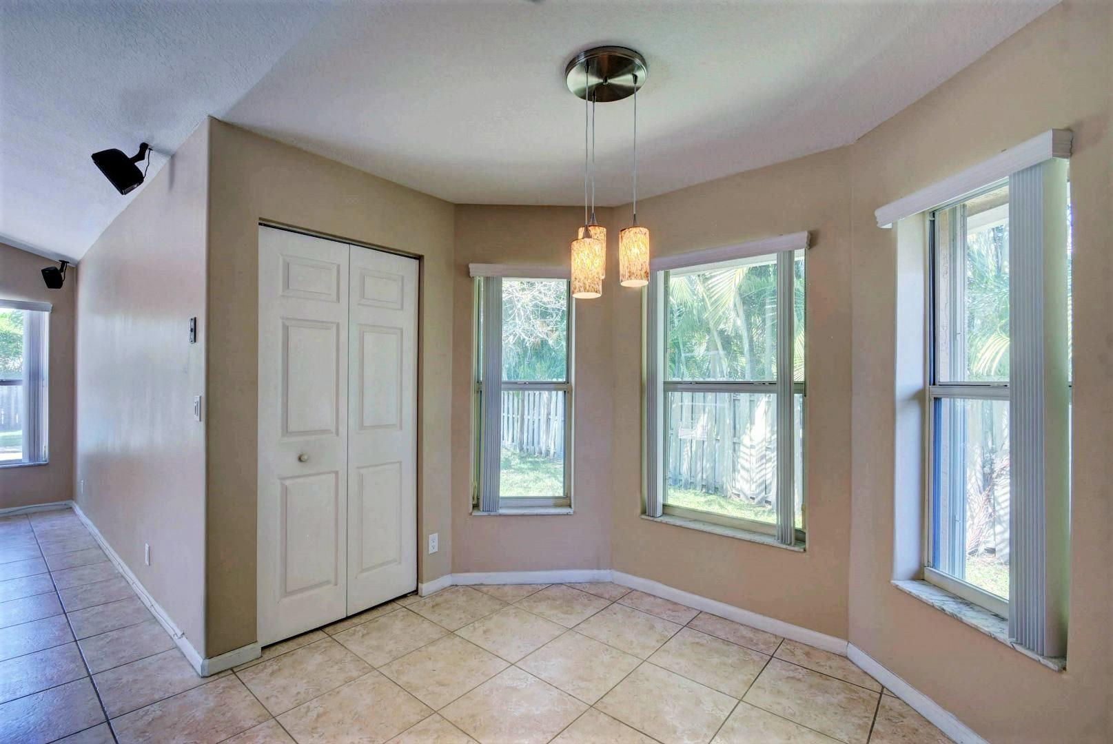 1955 Lindsey Court Wellington, FL 33414 small photo 17
