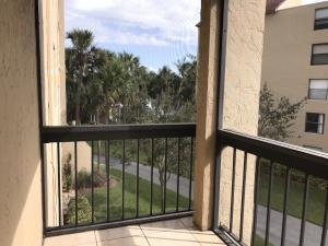 Property for sale at 1915 Lavers Circle Unit: E311, Delray Beach,  Florida 33444