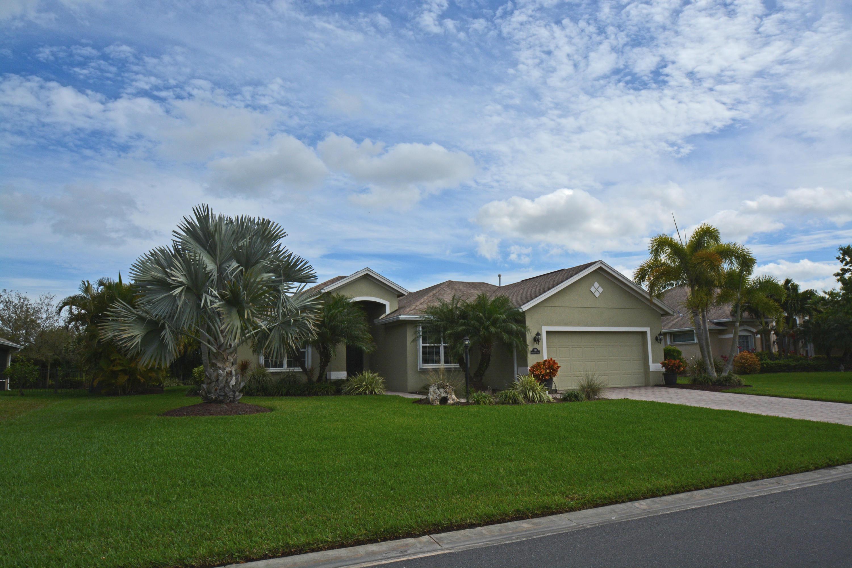1110 Southlakes Way - Vero Beach, Florida