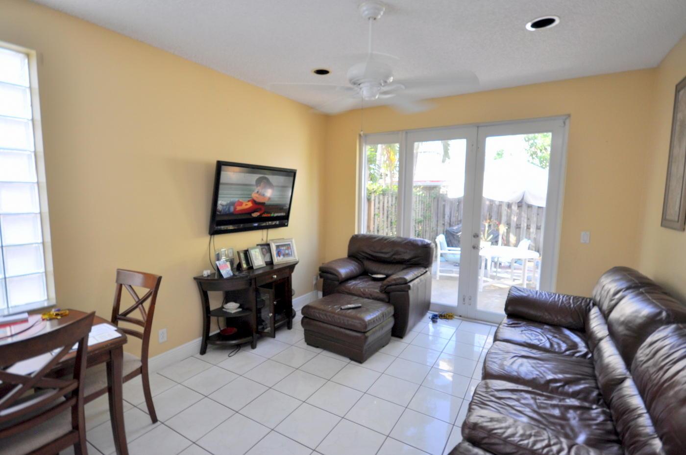 6811 Sugarloaf Key Street Lake Worth, FL 33467 photo 3