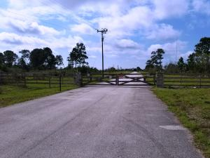 6050 SW Secretariat Drive , Palm City FL 34990 is listed for sale as MLS Listing RX-10505503 20 photos
