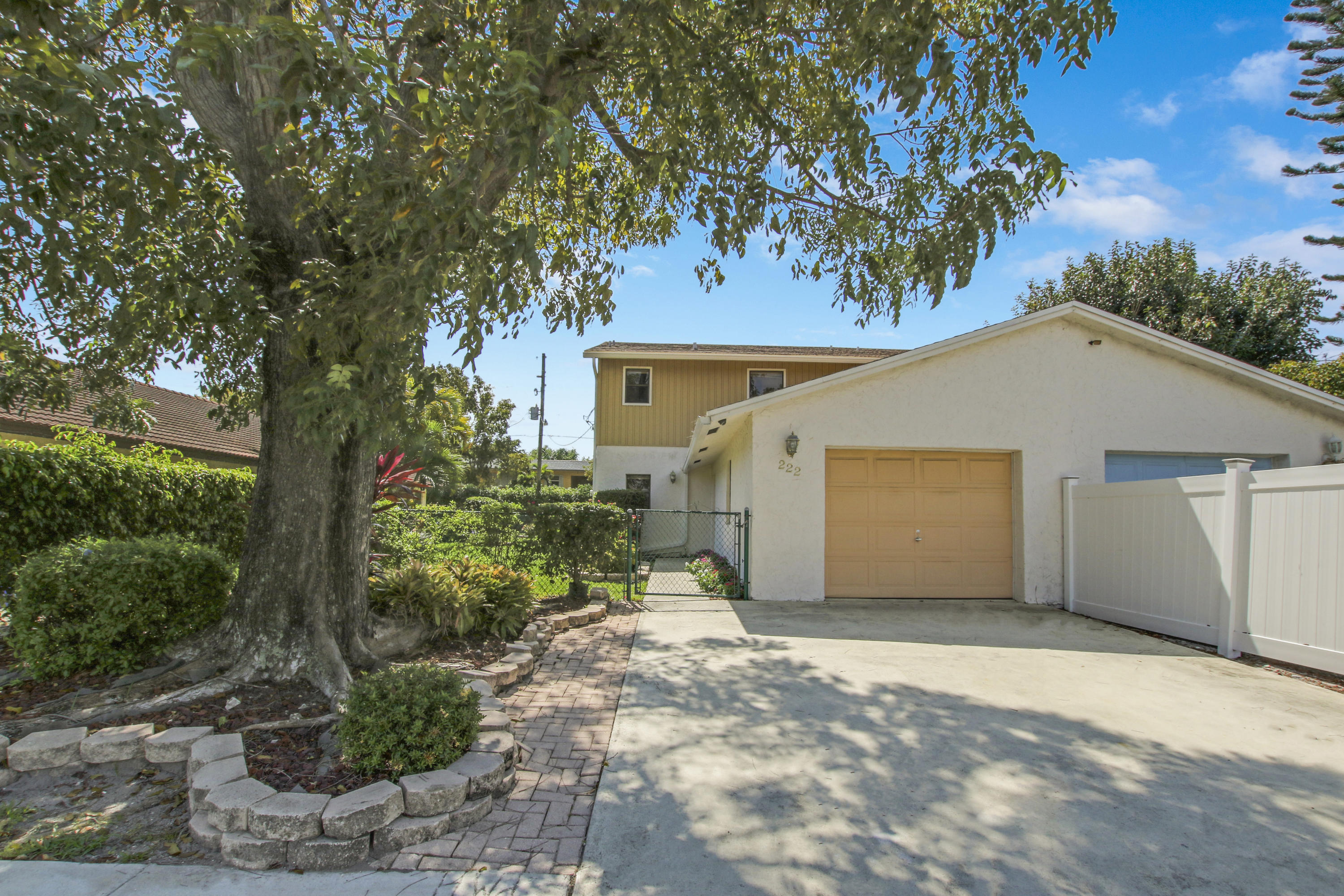 Home for sale in GRAEVE JT Delray Beach Florida