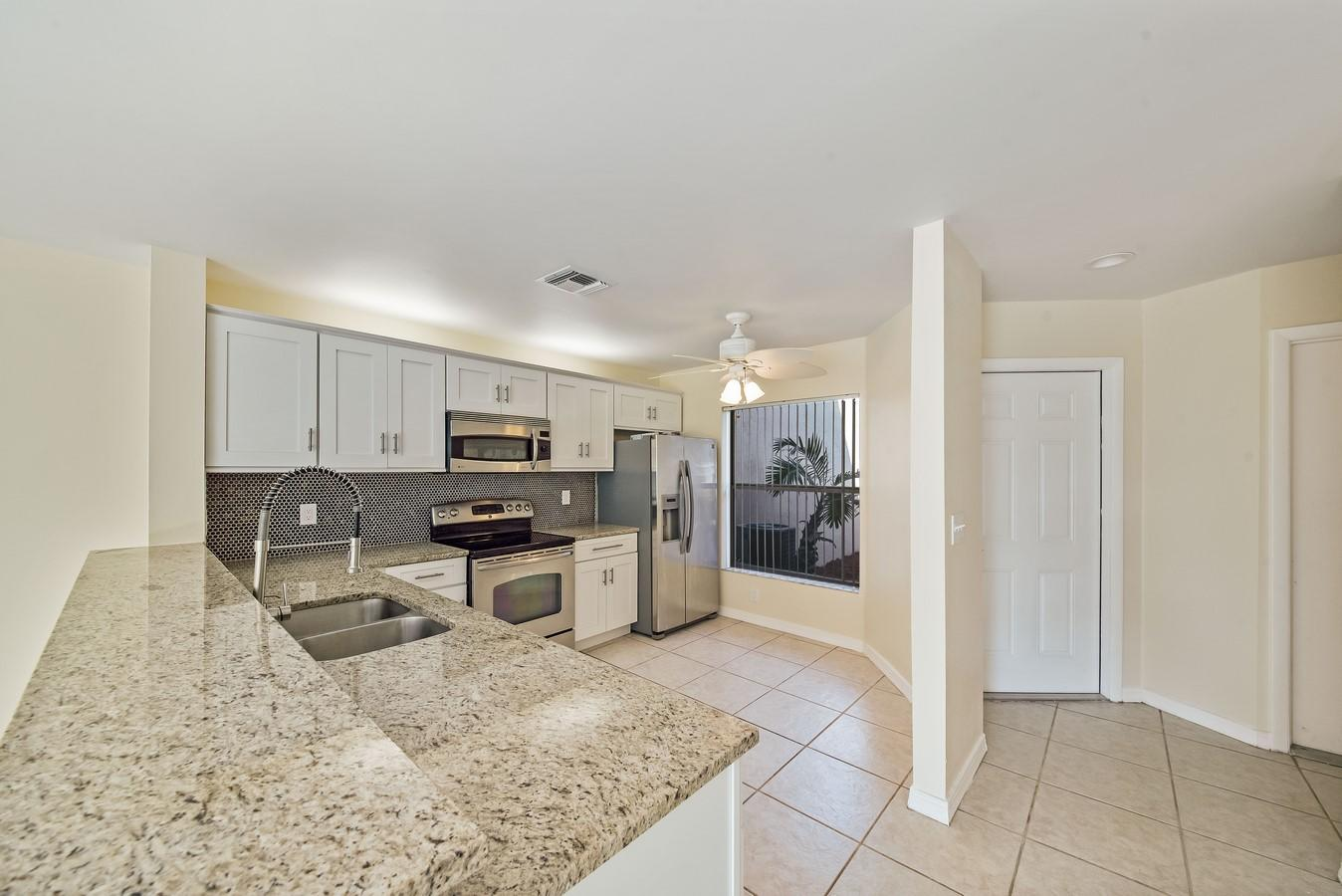 1132 W Lakes Drive Deerfield Beach, FL 33442 photo 2