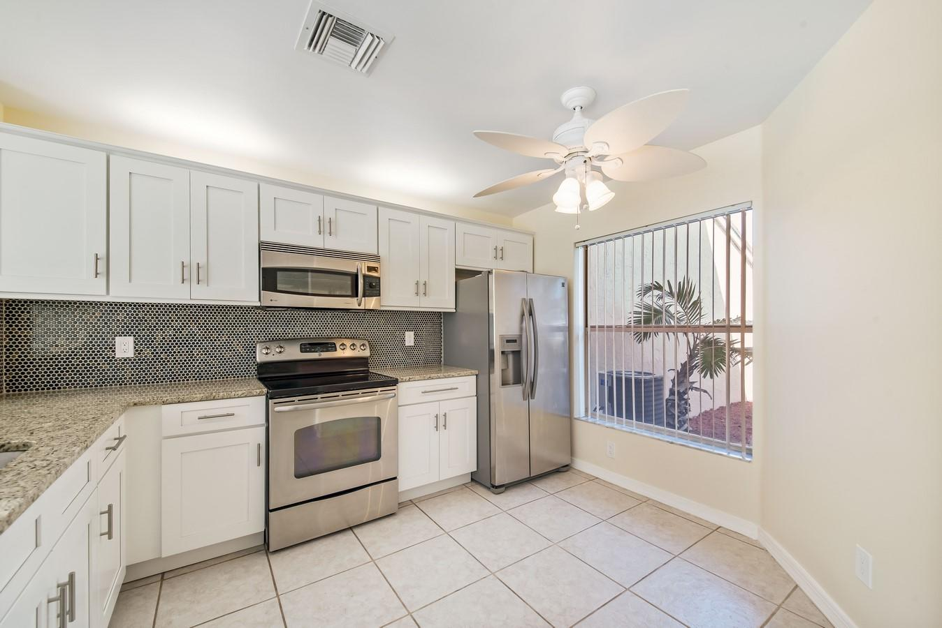 1132 W Lakes Drive Deerfield Beach, FL 33442 photo 7