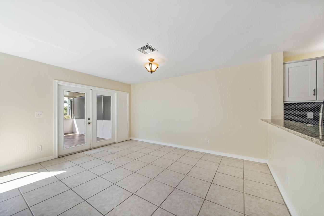 1132 W Lakes Drive Deerfield Beach, FL 33442 photo 10