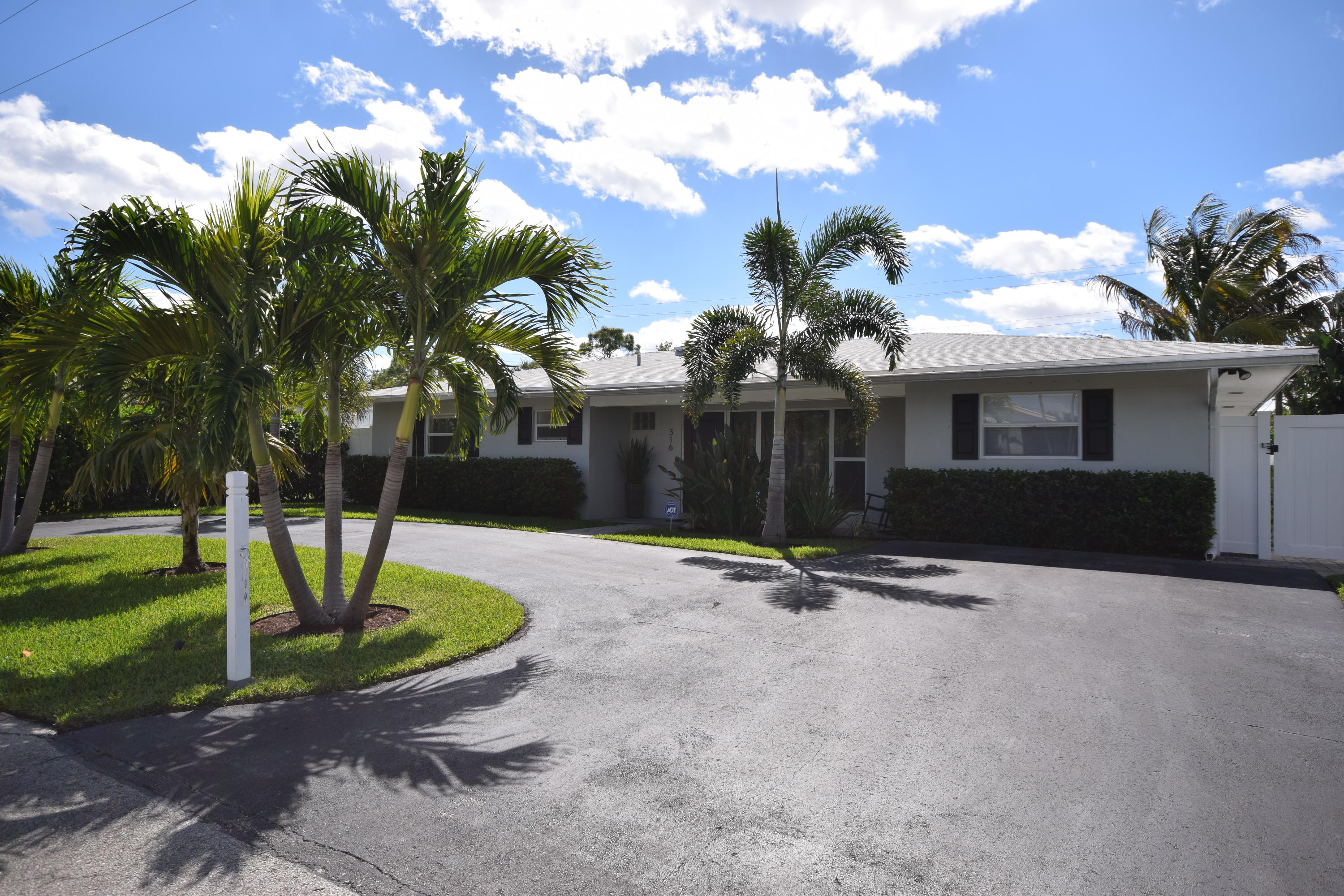 316 Beverly Drive  Delray Beach, FL 33444