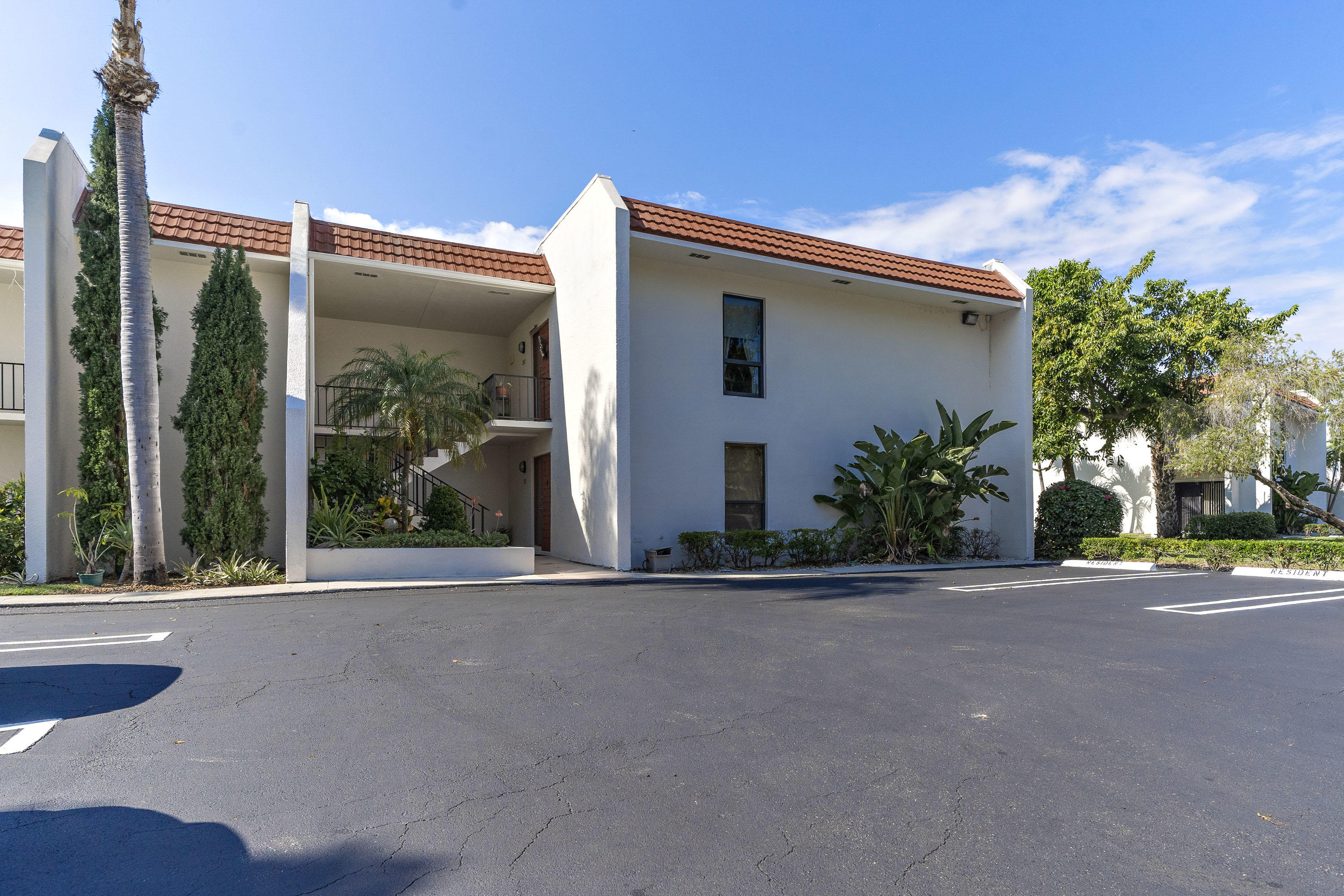 Home for sale in LANDS OF THE PRESIDENT COND SIX West Palm Beach Florida