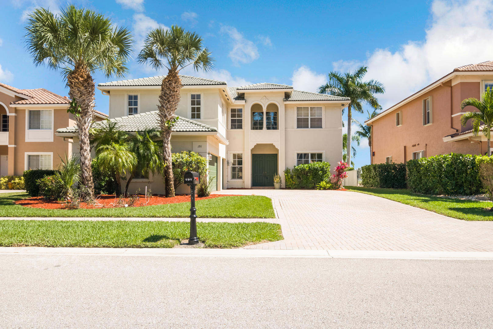 191 Bella Vista Way Royal Palm Beach, FL 33411