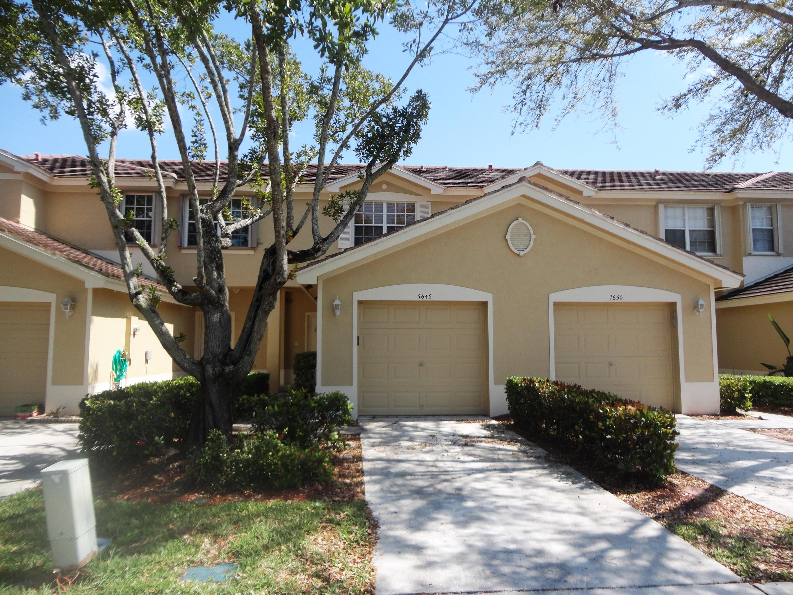 7646 Sonesta Shores Drive Lake Worth, FL 33463