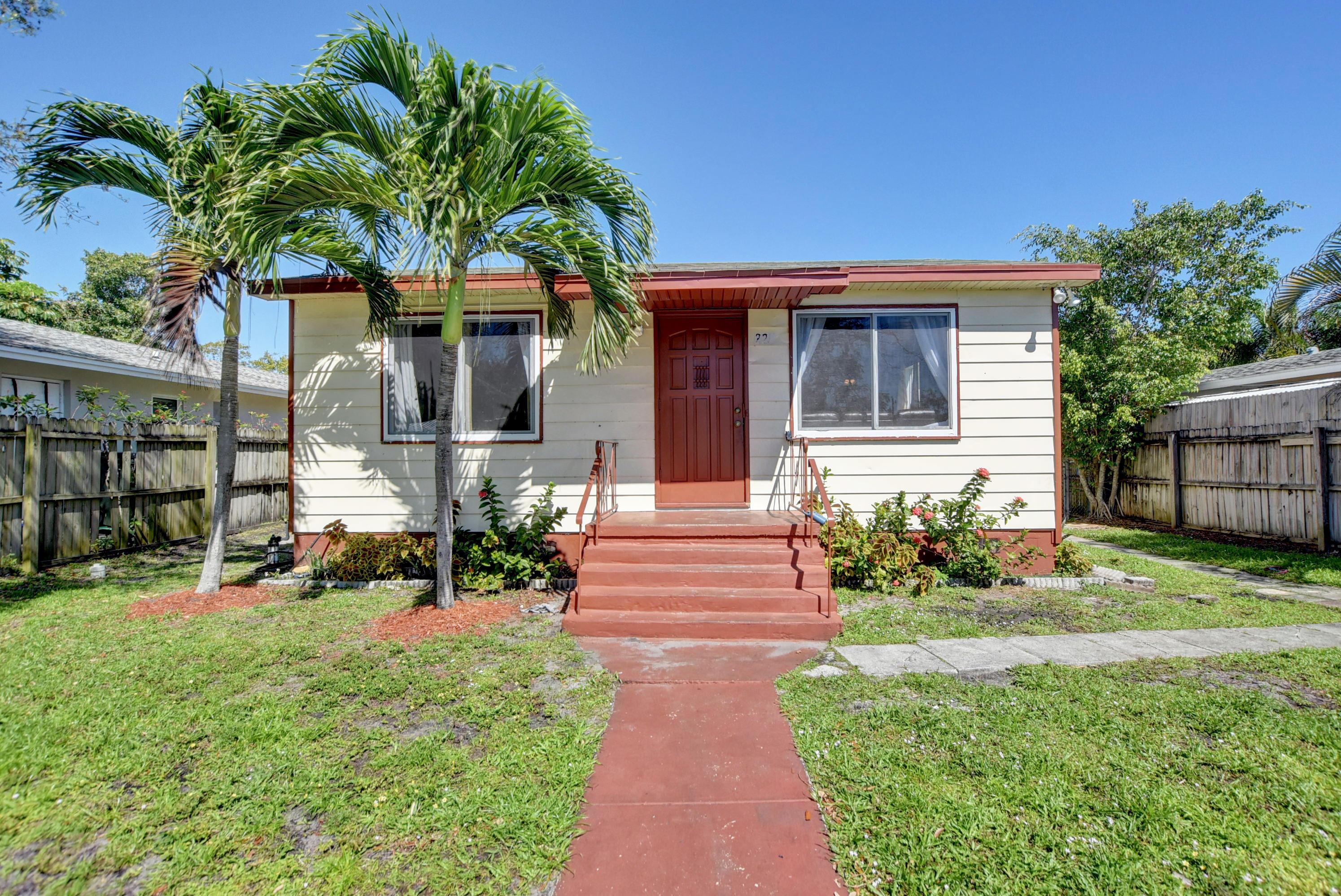 225 NE 13 Street  Delray Beach, FL 33444