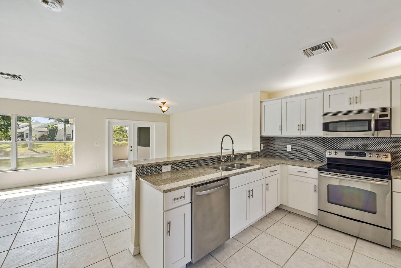1132 W Lakes Drive Deerfield Beach, FL 33442 small photo 6