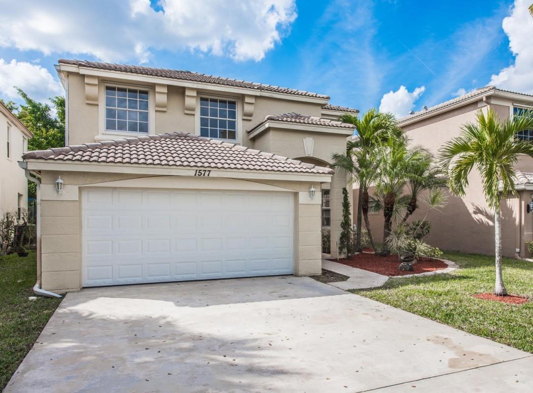 1577 Briar Oak Drive Royal Palm Beach, FL 33411
