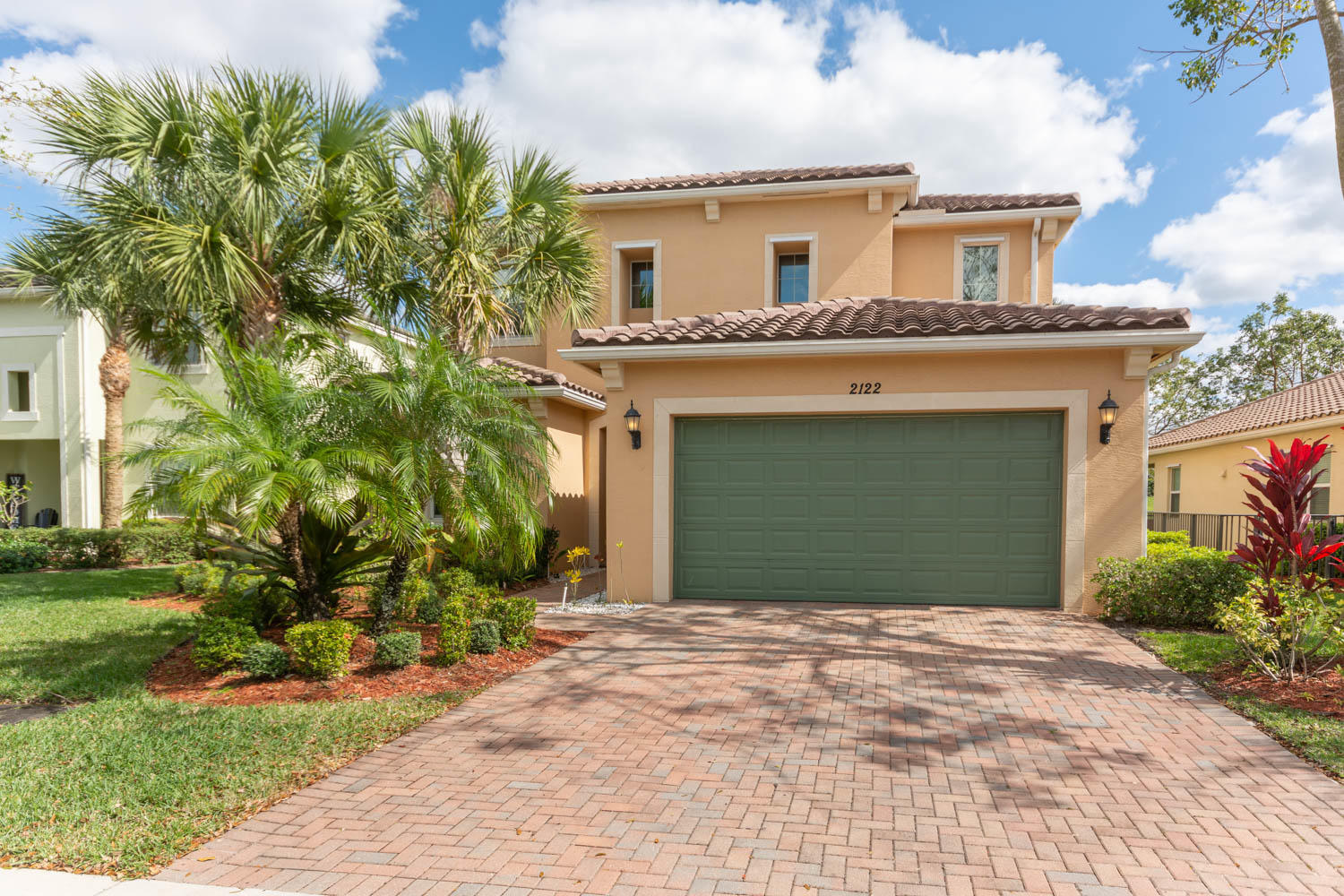 2122 Belcara Court Royal Palm Beach, FL 33411