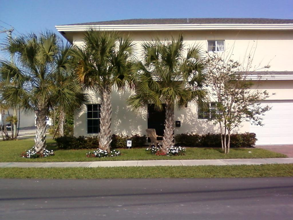 Home for sale in Melrose Place Oakland Park Florida