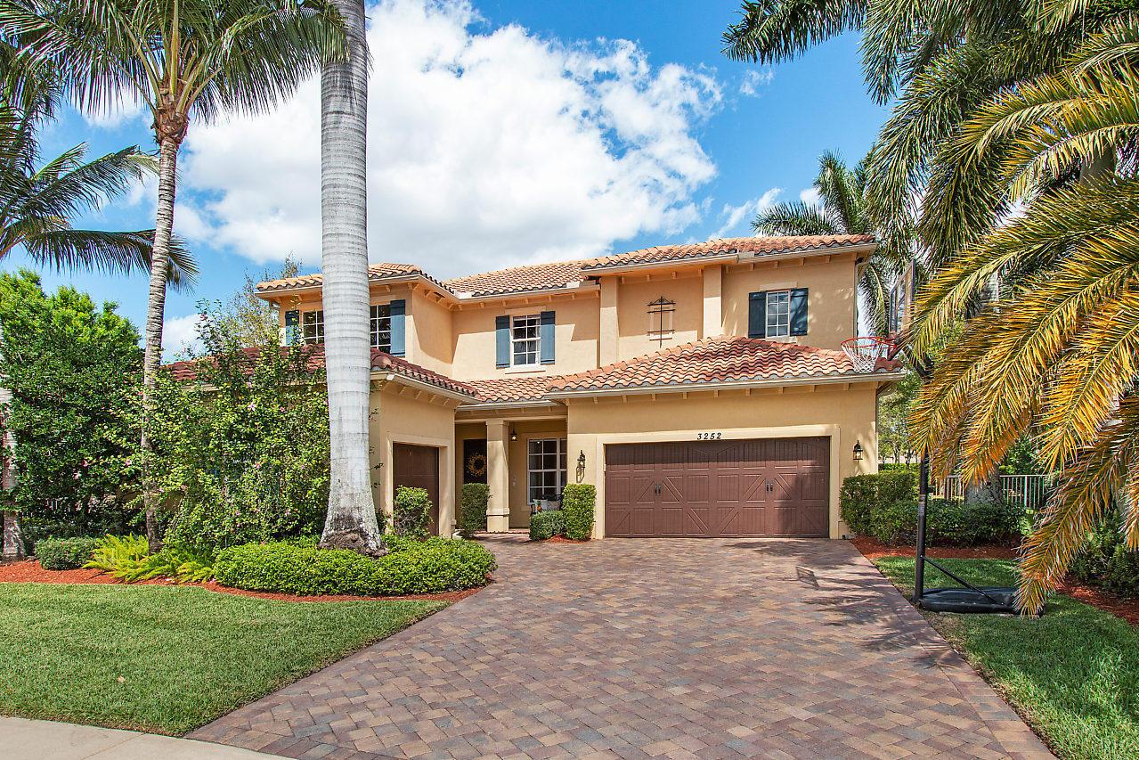 Home for sale in OAKMONT ESTATES Wellington Florida