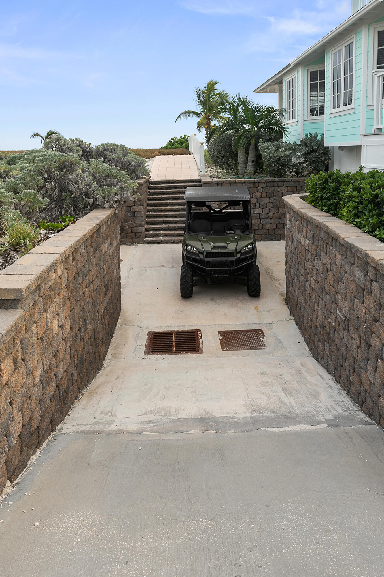 Golf Cart Or Mule Parking
