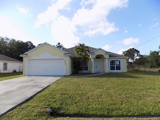 5523 NW Downs Street, Port Saint Lucie, Florida