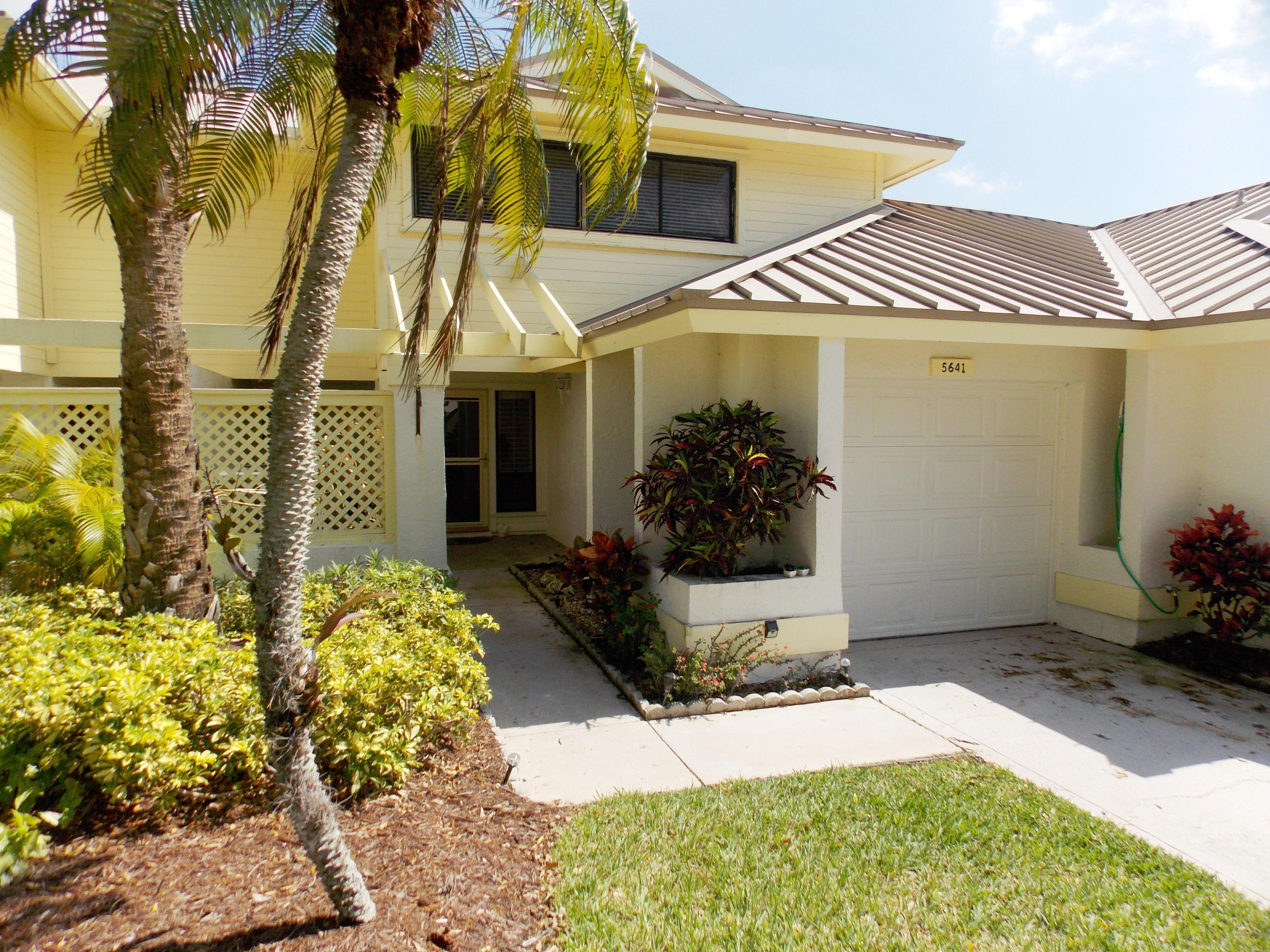 5641 Foxcross Place, Stuart, Florida 34997, 3 Bedrooms Bedrooms, ,2.1 BathroomsBathrooms,A,Townhouse,Foxcross,RX-10511640