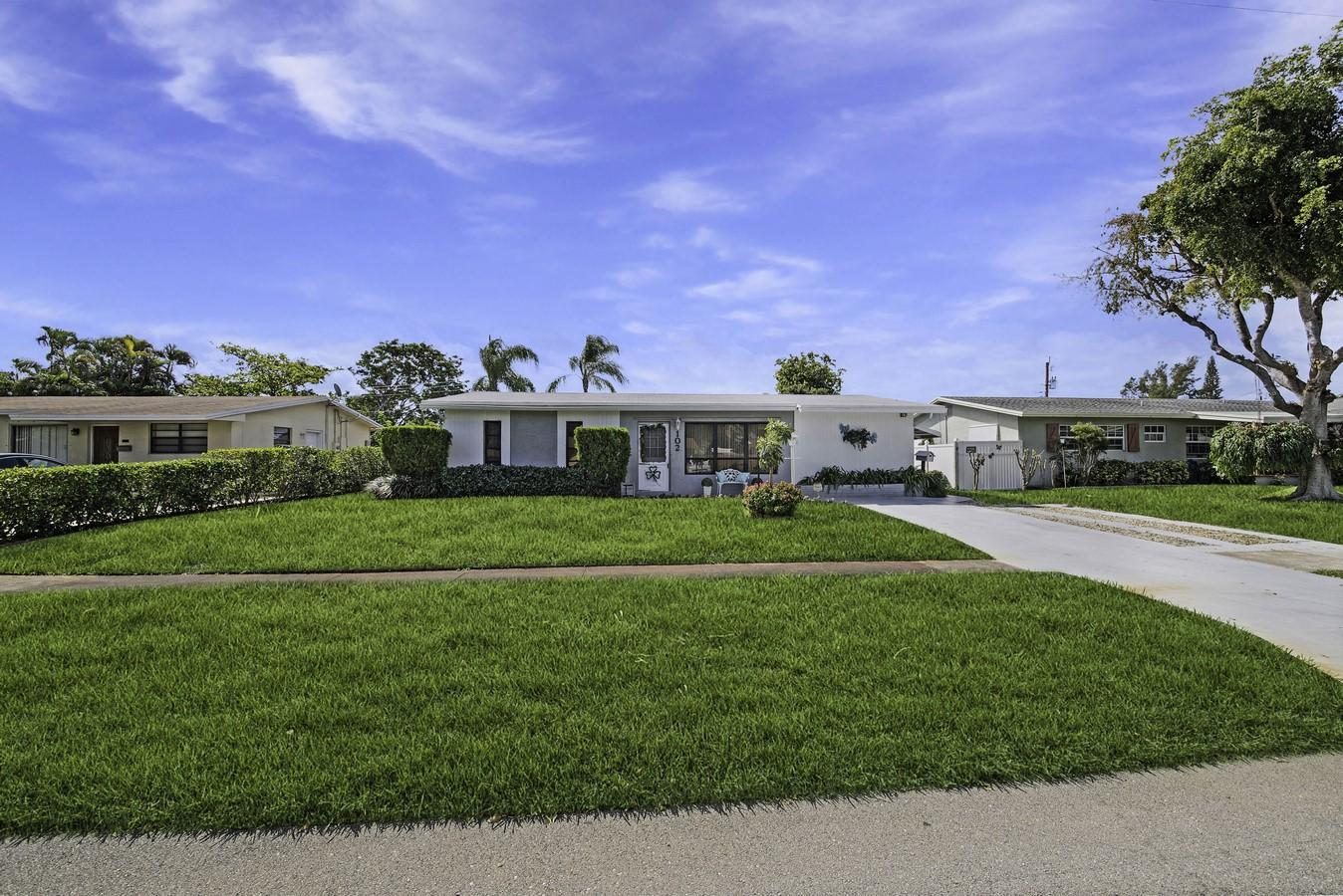 102 SE 14th Court Deerfield Beach, FL 33441 photo 24