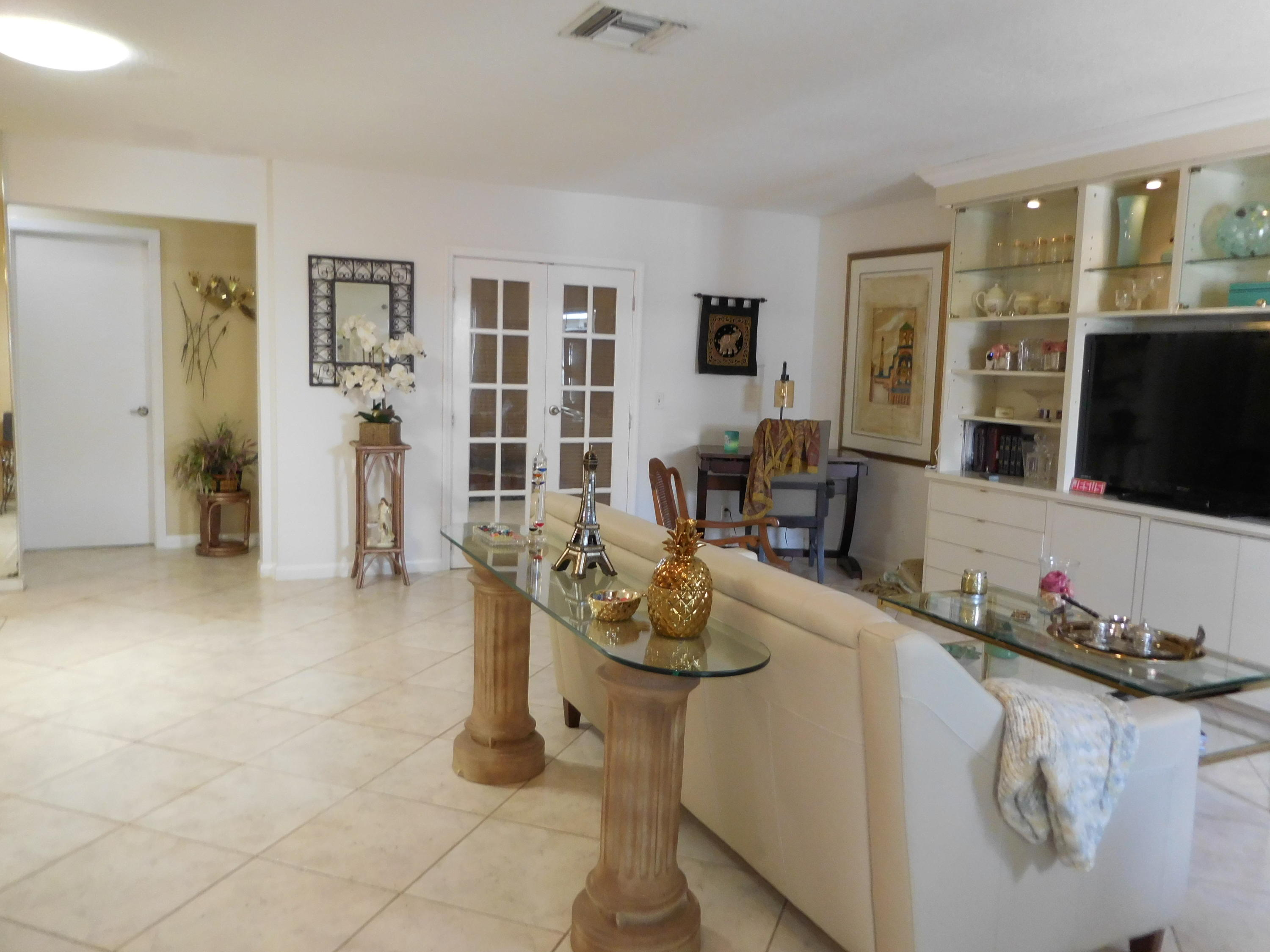 Home for sale in MEED RACQUET CLUB 2 Lake Worth Florida