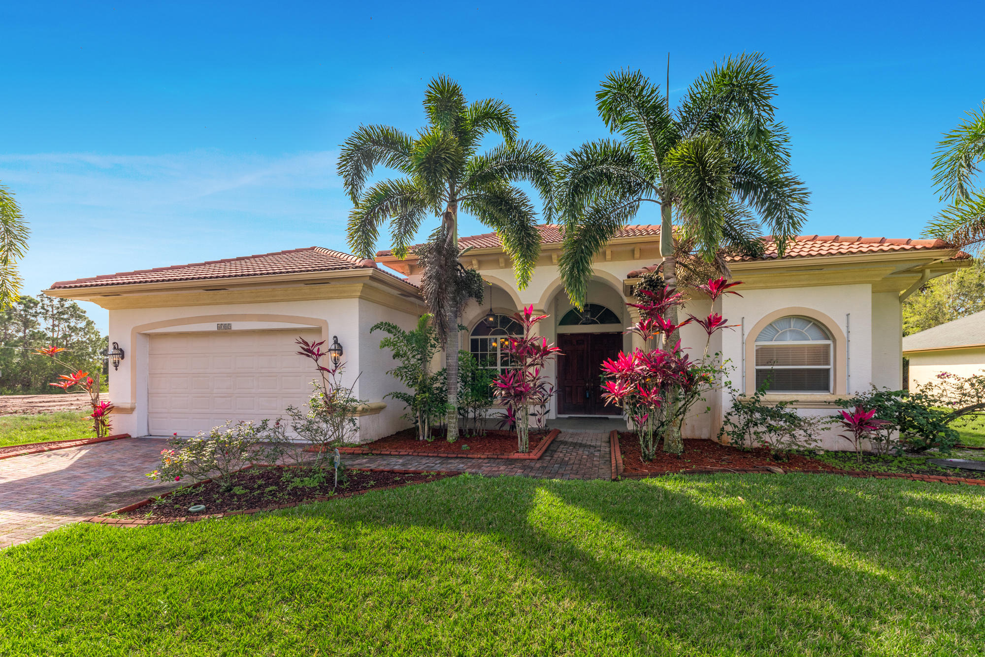 6085 NW East Deville Circle - Port St Lucie, Florida