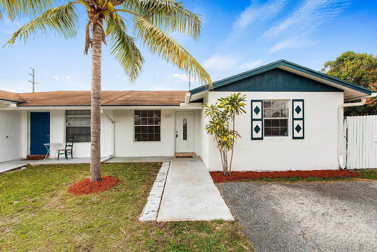 5425 Lee Court West Palm Beach, FL 33415