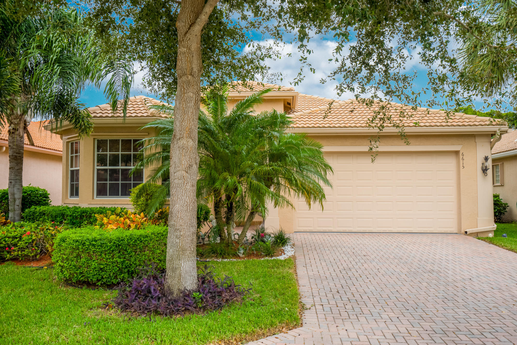 Home for sale in VALENCIA PALMS 6 Delray Beach Florida