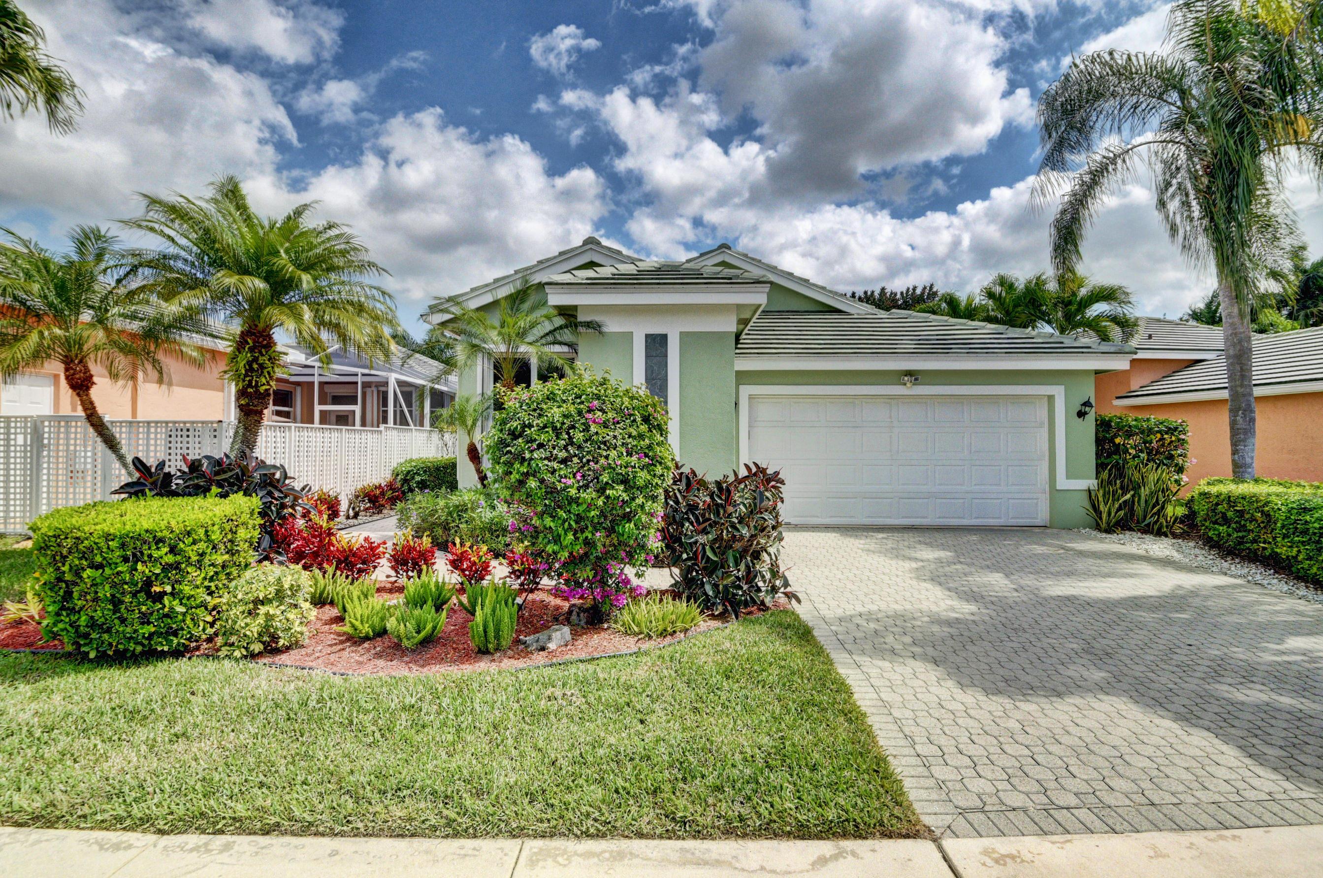 Home for sale in Aberdeen/carrington Lakes Boynton Beach Florida