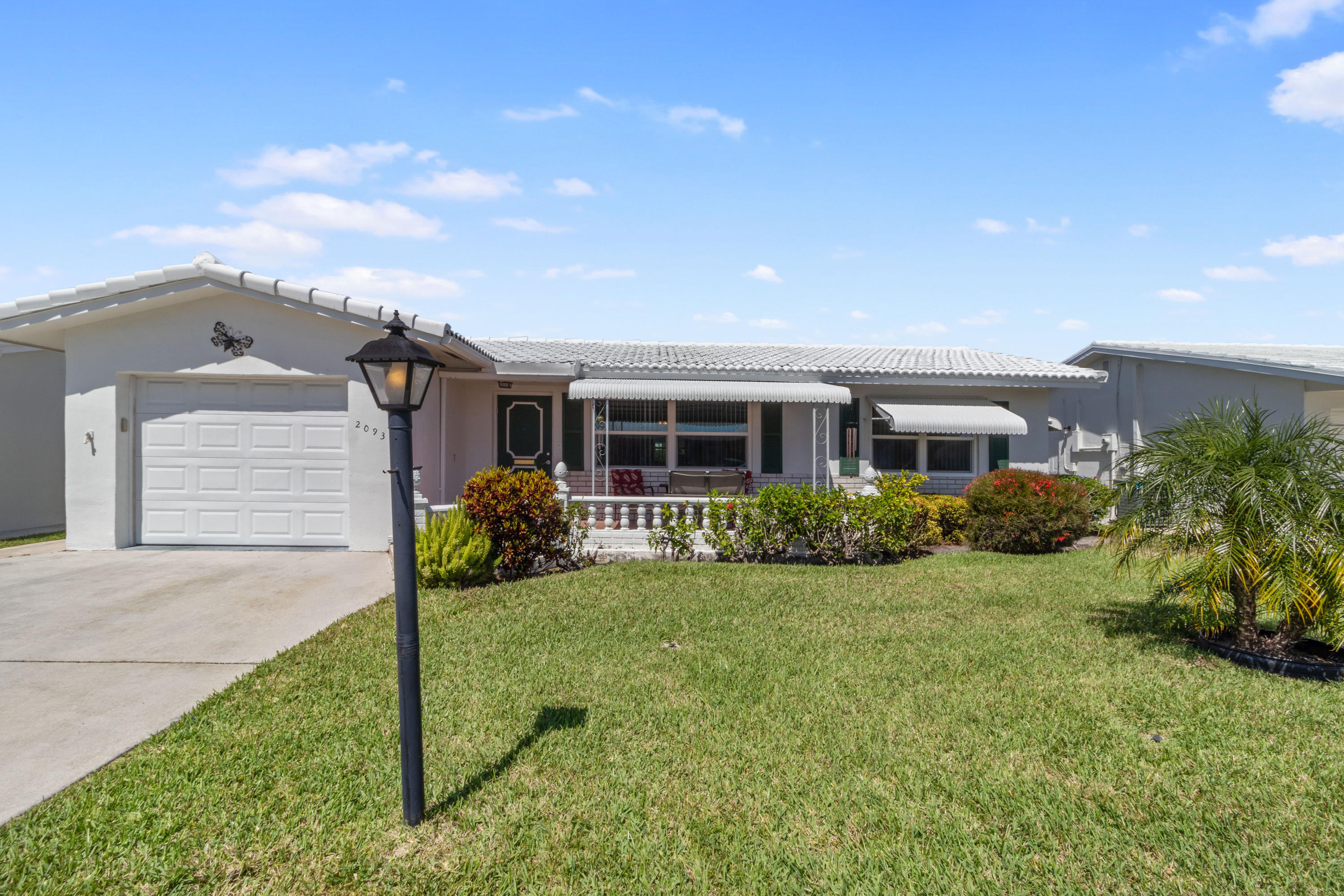 2093 SW 14th Avenue Boynton Beach, FL 33426