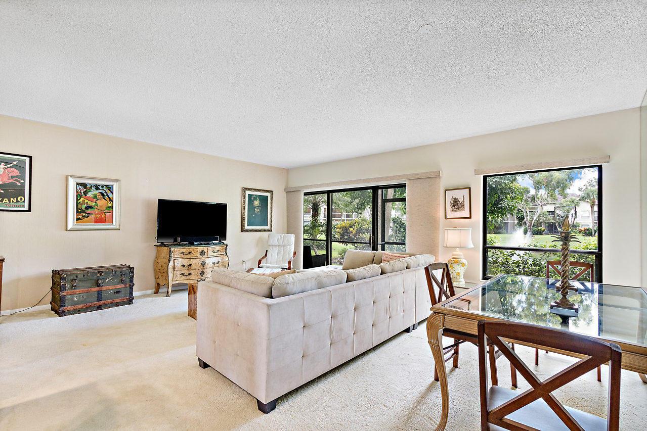 11863 Wimbledon Circle, 426 - Wellington, Florida