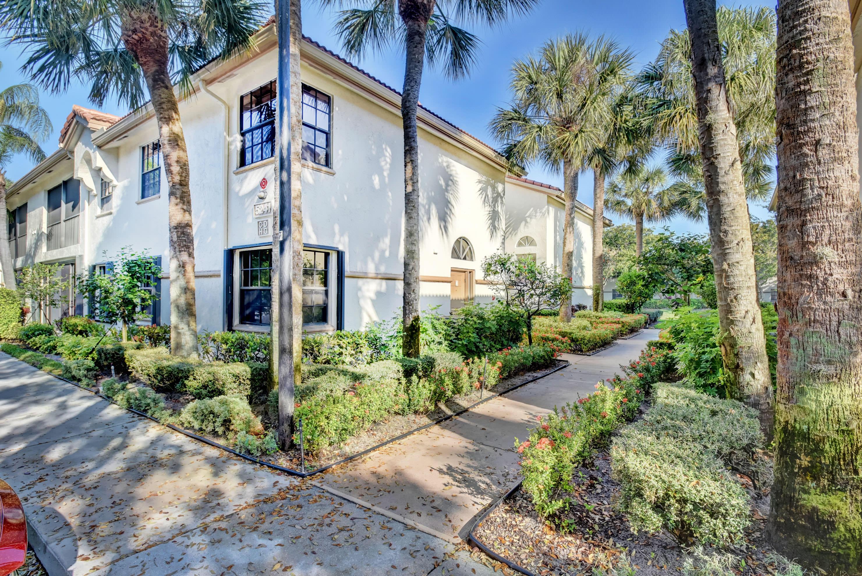 Home for sale in Platina/ Lucente Village Boynton Beach Florida