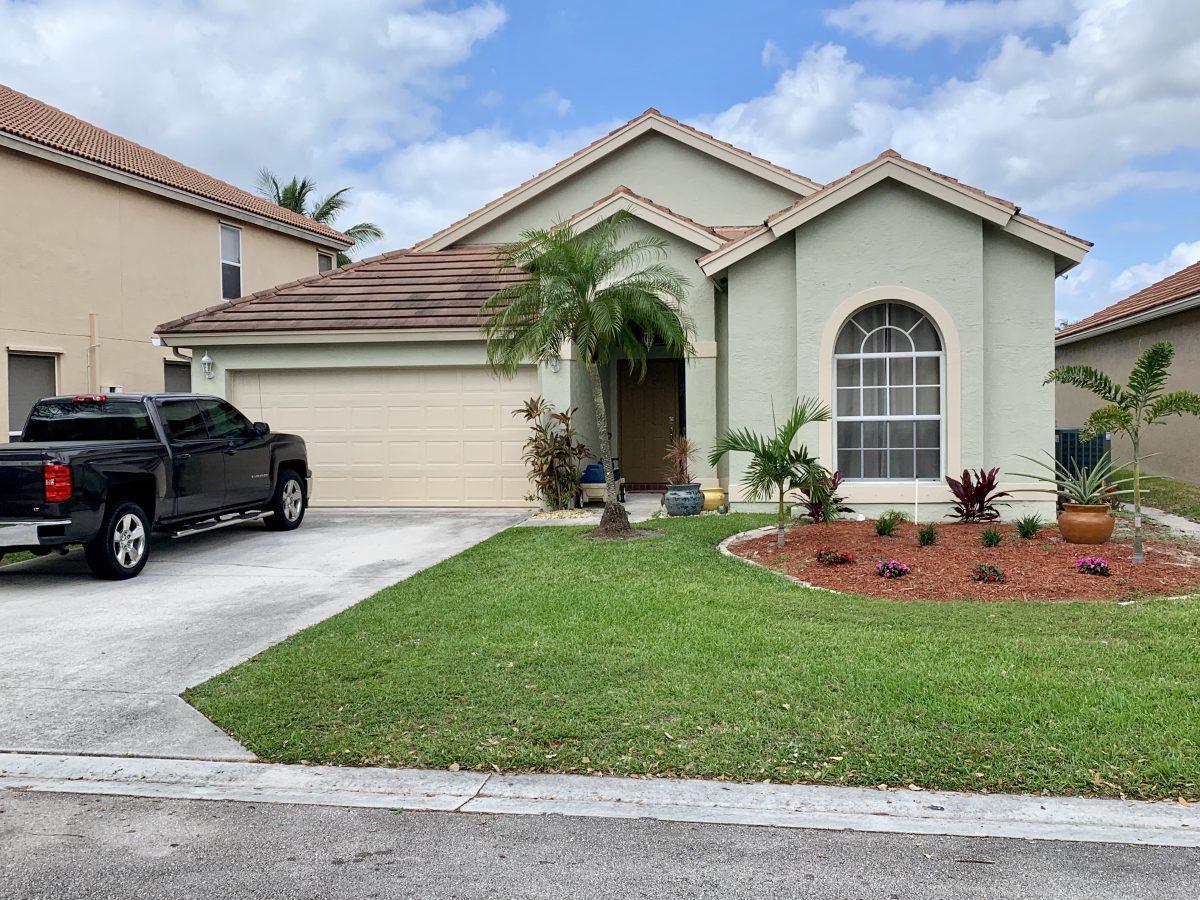 Home for sale in LAKE CHARLESTON TR L 2 Lake Worth Florida
