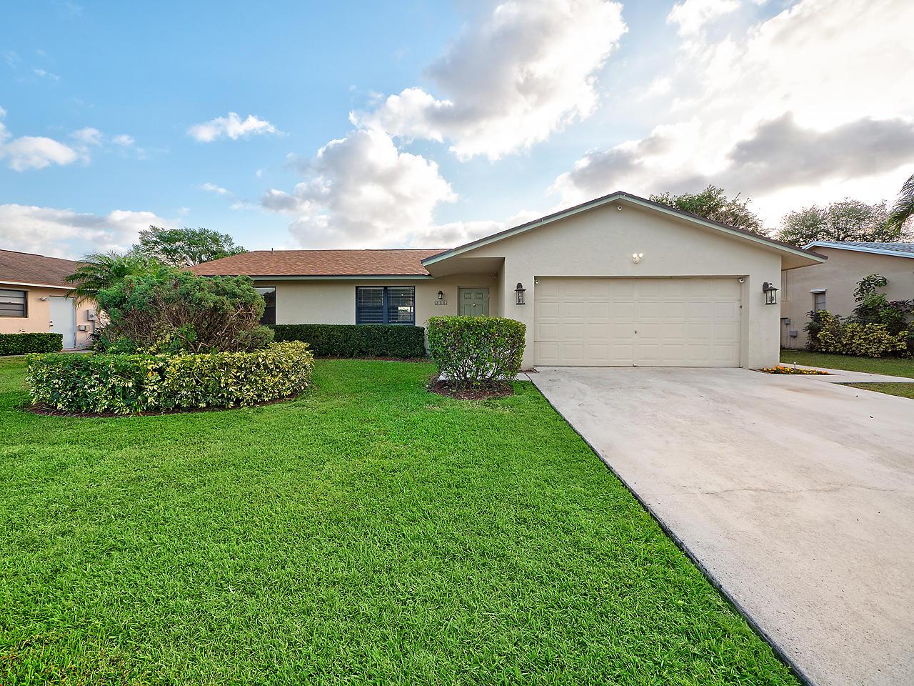 Home for sale in WOODLAND CREEK II Lake Worth Florida